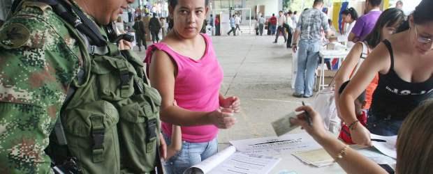 Elecciones 2007- Votaciones en Copacabana- Donaldo Zuluaga